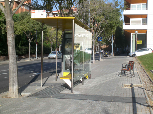 Bus-Stops-Designed-For-Blind-Passengers-2